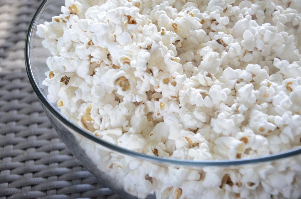 Popcorn in pan