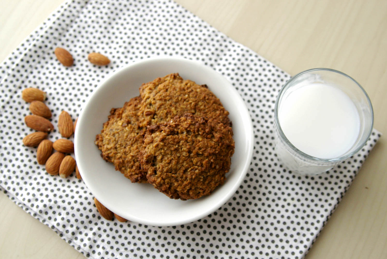 Simple banana oatmeal cookies